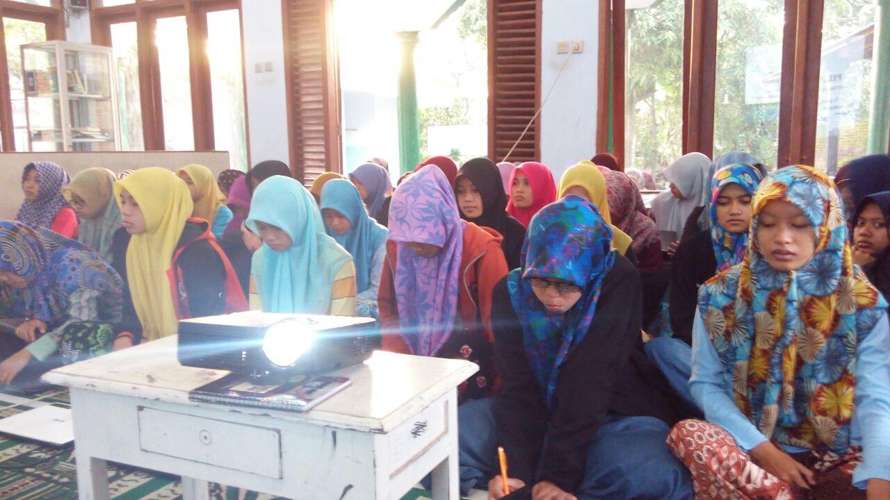 Santri Al-Fattah Manfaatkan Website untuk Bersuara